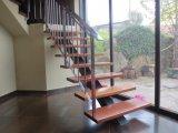 Escalera de acero y barandila inox
