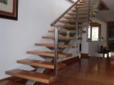 Escalera de inox y barandilla inox-vidrio